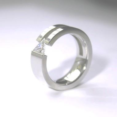 Ocelový prsten - Triangle Stone I.