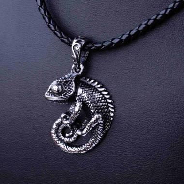 Ocelový přívěsek - Chameleon + pletená kůže (019)